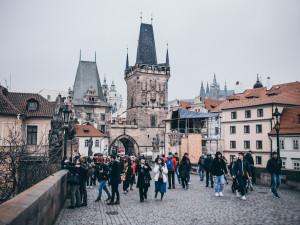 Průměrná mzda v Praze stoupla na 41 720 korun