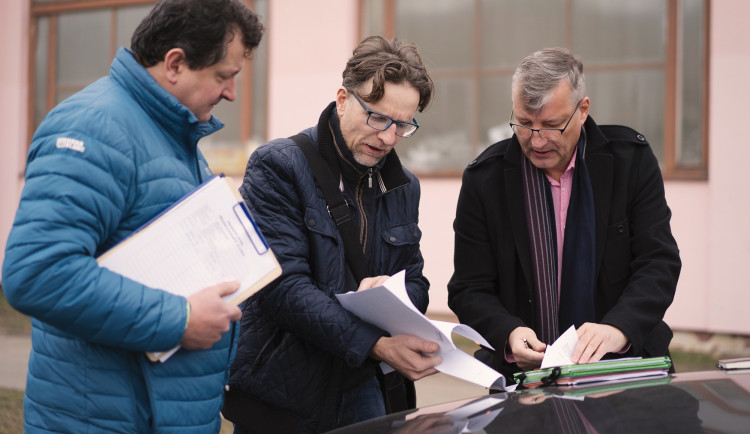 Dokončení Areálu ledových sportů v Praze 11 se o rok posune