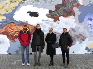 FOTO: Na Vltavské zmizela nudná šedá plocha. K nepoznání ji změnil barevný murál
