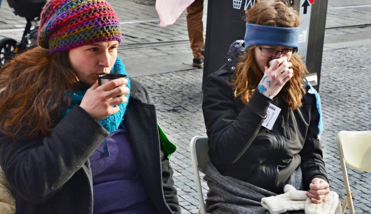 Lidé na Andělu drží hladovku. Upozorňujeme na klimatickou krizi, říká Zuzana Žežulková Maličká