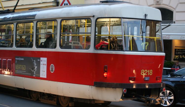 Střet tramvají na Vinohradech si vyžádal lehká zranění