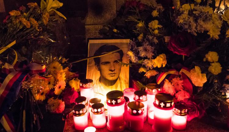Jana Palacha si dnes připomeneme v Karolinu, na Václaváku i na Olšanských hřbitovech