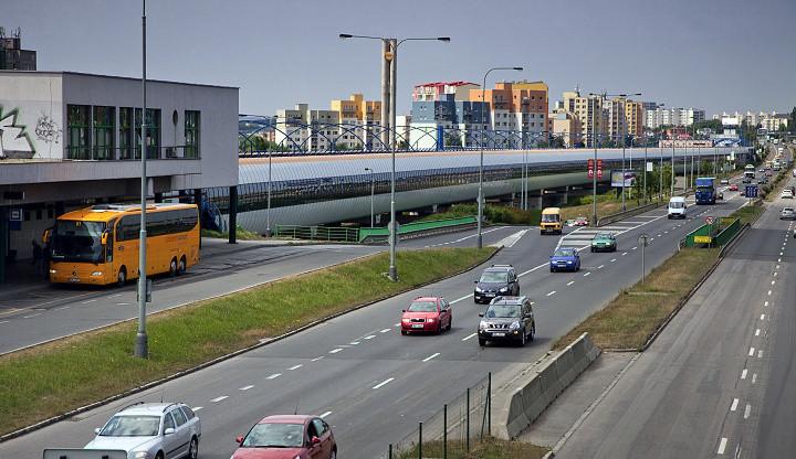 Nové parkoviště na Černém Mostě vyjde na více než 600 milionů. Pojme skoro 900 automobilů