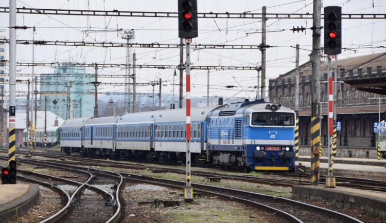 Praha chce opravit železniční most z Podskalí na Smíchov, ale i třetí kolej