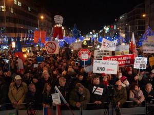 1. března proběhne na Staromáku demonstrace na obranu demokratických institucí
