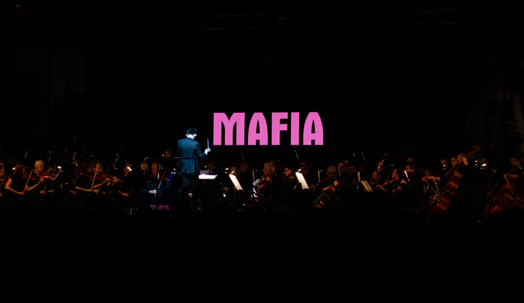 Hudba z legendární herní Mafie naživo! Filharmonie Brno odehraje ve Foru Karlín jedinečný koncert