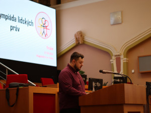 FOTO: V Praze proběhlo finále celostátního kola Olympiády lidských práv