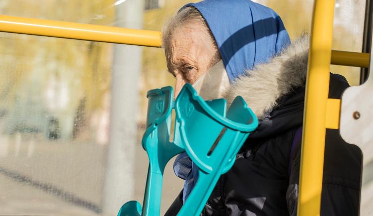 V Praze i podle hygieniků přesáhl počet případů koronaviru tisíc