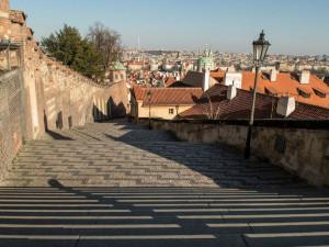 Ulice v Praze jsou prázdné, lidé využili místa k rekreaci a sportu