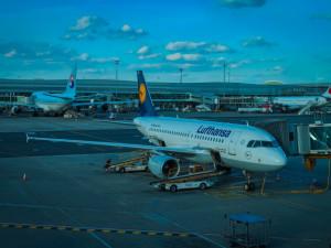 Letiště Praha propustí kvůli koronavirové krizi 450 zaměstnanců