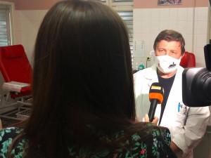 Lék favipiravir dorazil do Thomayerovy nemocnice. Dostane ho pacient s těžkým průběhem onemocnění