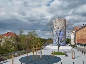 FOTO, VIDEO: Zvýduchu u Stromovky se stalo umělecké dílo. Dokončeno bude v květnu