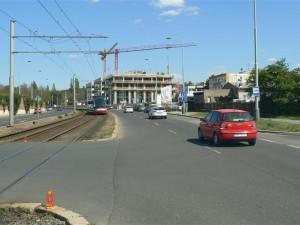Na Praze 12 staví novou radnici. Hrubá stavba je už dokončena