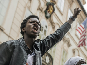 FOTOGALERIE: I can´t breathe. Black Lives Matter. V Praze protestovaly stovky lidí proti policejnímu násilí
