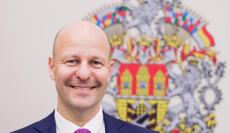 Náměstek primátora Hlubuček je nakažen novým koronavirem