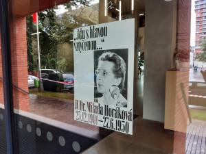 Praha 7 nabízí místním plakáty s Miladou Horákovou. Chceme, aby se podívala do své ulice, říká radní
