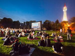 Kinobus projede Prahou. Diváci zdarma zhlédnou jak české, tak zahraniční filmy