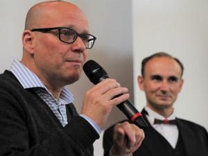 Kurátor Martin Dostál: Těší mě, že jsem mohl udělat výstavu Tomáše Císařovského ve slavné Zámecké jízdárně Alšovy jihočeské galerie