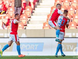 Mistrovská Slavia rozdrtila Jablonec 4:0. Sparta prohrála v Plzni 1:2