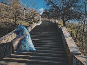LEPŠÍ MĚSTO: Vyčištěná Letná i odstraněné zámky z Karlova mostu