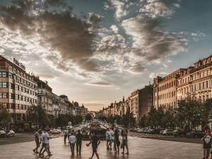 Pražské podniky lákají turisty na slevy. Přečtěte si, kam si mohou se slevou vyrazit i místní