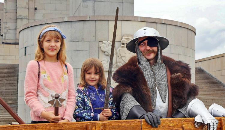 FOTO: Pražané si připomínají 600 let od bitvy na Vítkově. Velká husitská hra zaujala děti i dospělé