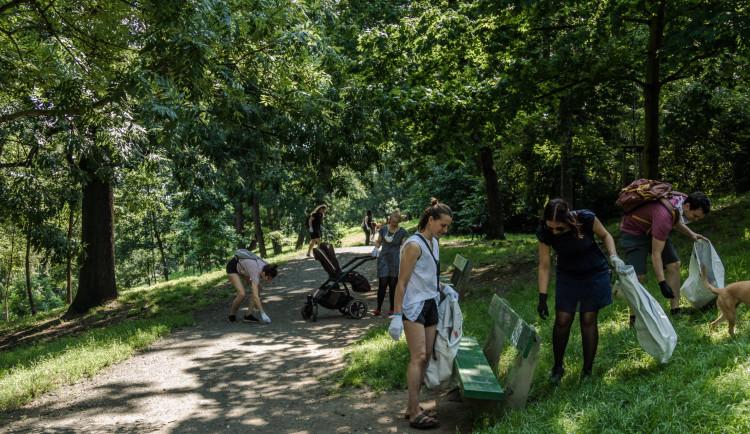 Ukliďme Stromovku 2020. Vysbíralo se téměř 1500 litrů odpadu