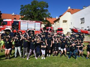 FOTO: Příměstský tábor dobrovolných hasičů v Praze 1 vychovává malé požárníky