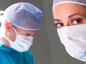Platy ve zdravotnictví by příští rok mohly vzrůst o 5 procent, řekl Vojtěch