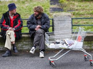 """Veřejná prostranství v """"dvanáctce"""" budou uklízet bezdomovci"""