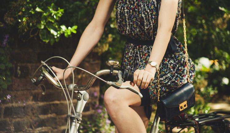 Poptávka po kolech stoupla o polovinu. Lidé se bojí, že nebudou moci cestovat za hranice
