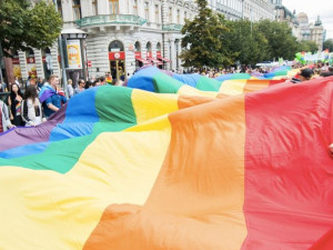 Dnes začíná festival Prague Pride. Průvod nahradí plavba lodí po Vltavě