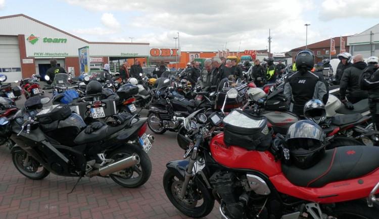 Prahou v sobotu projedou motorkáři. Vyjížďka omezí dopravu