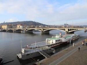 Další dopravní omezení. Na Jiráskově mostě začne v pondělí oprava