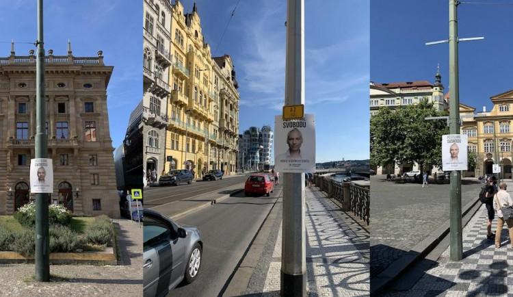 Reklama pirátského kandidáta zmizela z ulic Prahy. Cítíme se poškozeni nejen finančně, komentuje situaci strana