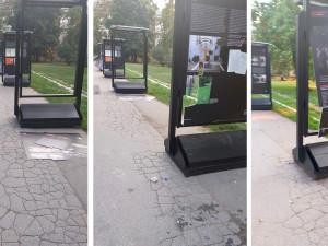 Vandalové poničili výstavu o Miladě Horákové. Škoda jde do desítek tisíc korun