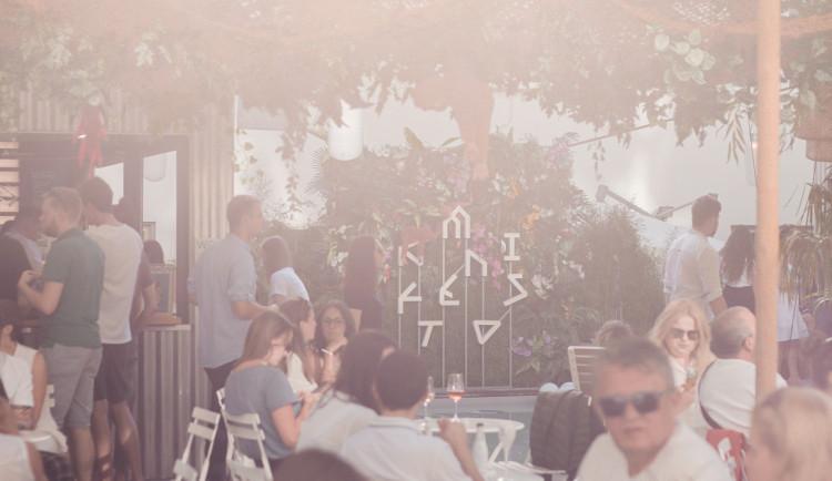TÝDEN V PRAZE: Festival burgerů a tančírna