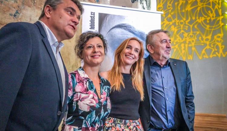 Letošní Febiofest vzdá poctu režiséru Menzelovi a uvede ve světové premiéře dokument o Karlu Gottovi