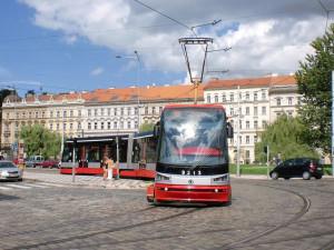 Přes Újezd, Staroměstskou a Malostranskou nepojedou tramvaje. Opraví se koleje
