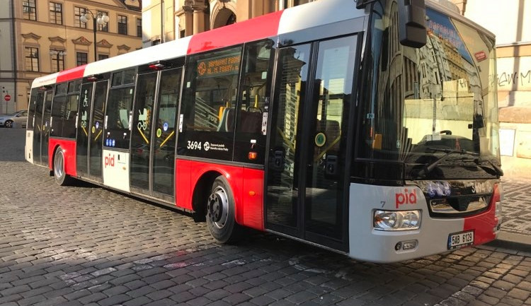 FOTO, VIDEO: Praha představila autobus s novým designem. Podívejte se na video