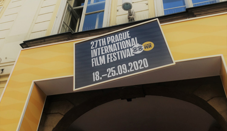 V Praze začal filmový festival Febiofest. Akci provázejí hygienická opatření