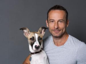 (NE)OBYČEJNÍ: Chci napsat už jen jednu knihu, a nebude o psech, říká Filip Rožek, autor knihy Gump