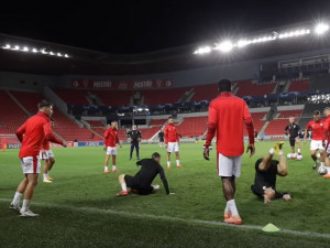 Slavia dnes zahájí boj o skupinu Ligy mistrů. Připravuje se na dánský Midtjylland