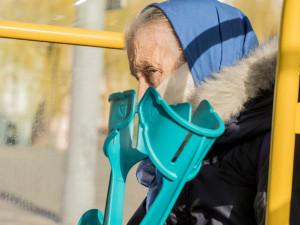 Praha spustila opatření na ochranu nejohroženějších skupin lidí. Znovu v provozu bude bezplatná linka pro seniory