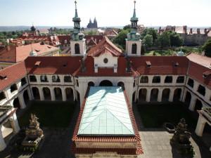 Lidé si budou moct o víkendu prohlédnout mechanismus pražské lorety. Zvonkohra slaví již 325 let