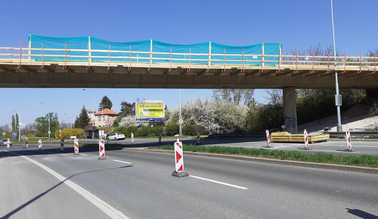 FOTO: Most přes Jeremiášovu ulici byl dokončen o měsíc dříve, než se původně plánovalo