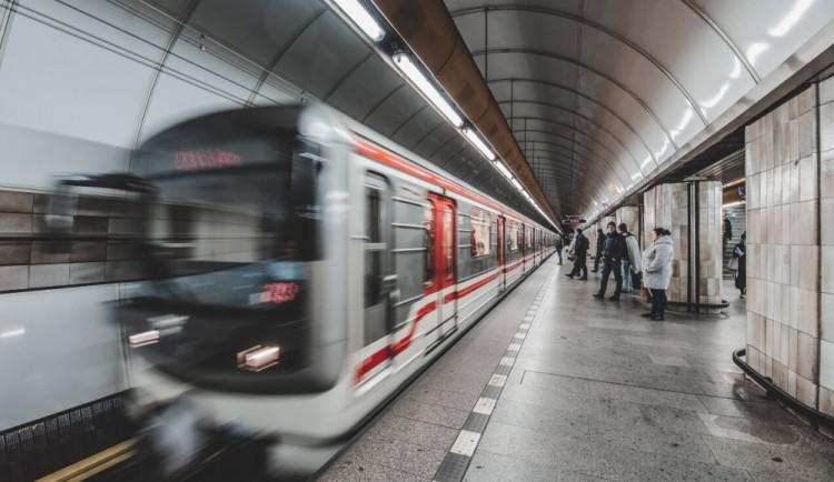Do úterního rána je přerušen provoz metra C mezi stanicemi Pražského povstání a Kačerov