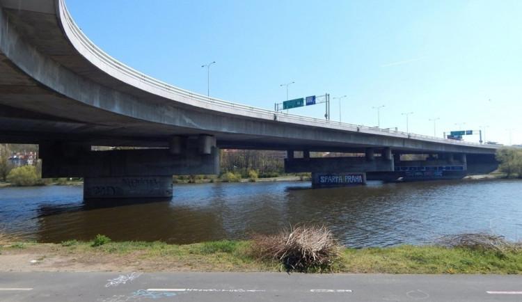 Dnes začala oprava Barrandovského mostu, jedné z nejdůležitějších dopravních tepen v Praze
