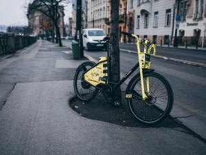 V Praze je ode dneška k dispozici šest set nových sdílených elektrokol firmy Bolt