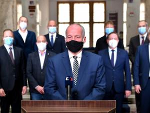 Prymula ve svém projevu apeloval na občany a přiznal letní pochybení v uvolňování opatření